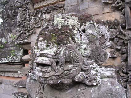 ウブドゥの寺院で
