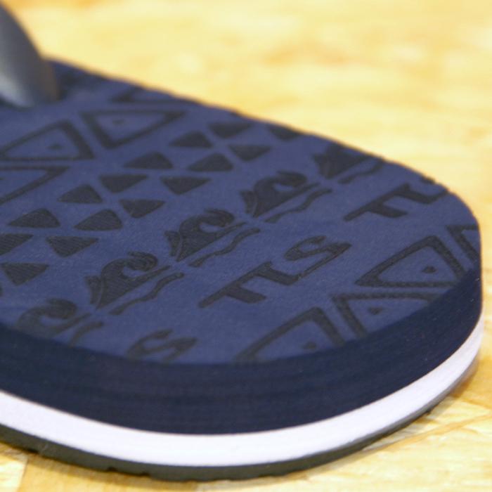 土踏まずが快適なフットベット、滑らない素材になり、デザインもリニューアル