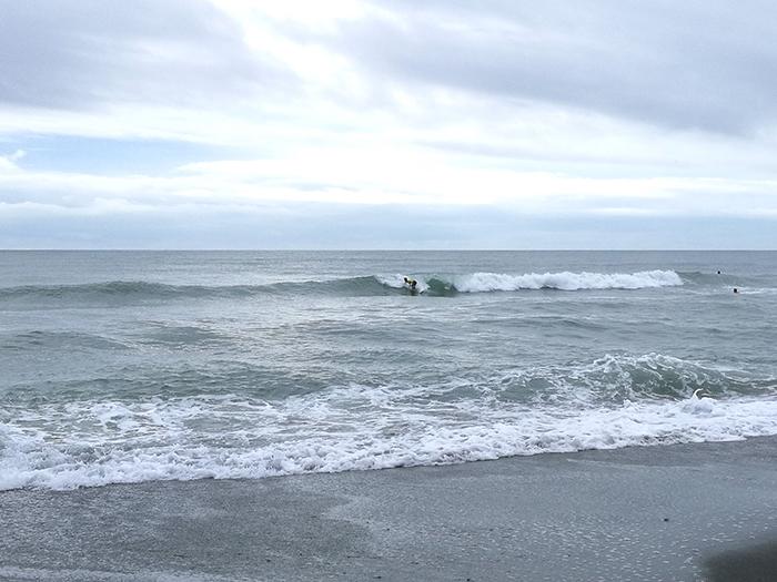 ちょっと癖はあるけどじゅうぶん乗れる波でしたよ
